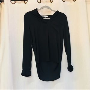 Black wavy blouse